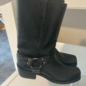 NWOT Roadwolf harness black boots 9,5